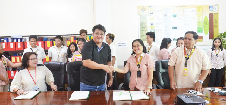 MOA SIGNING Between Misamis University and DENR